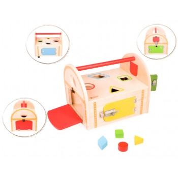 Дървена кутия - сортер с различни ключалки