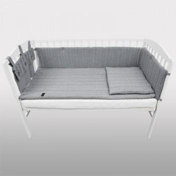 Плетен комплект за бебешко креватче сив